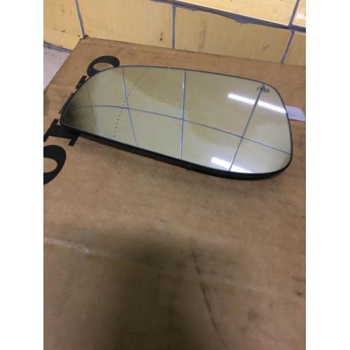 Увеличенное изображение: Стекло зеркала левое НОВОЕ VOLVO (ВОЛЬВО)
