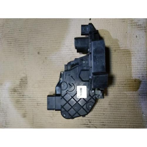 Увеличенное изображение: Замок двери задней левой бесключевой доступ (c электр. блокировкой задних дверей) VOLVO (ВОЛЬВО)